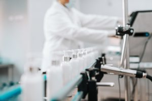 Kosmetik Abfüllung Qualitätssicherung quality management hygiene